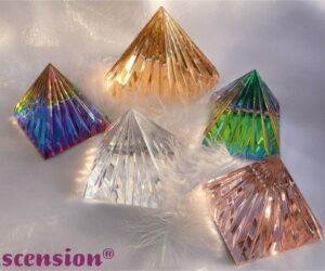 Pyramiden-auf-Wolken
